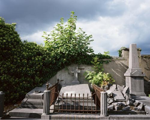 philippe mailleux, cimetière abandonné, tombe